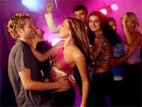 Как научиться танцевать под клубную музыку