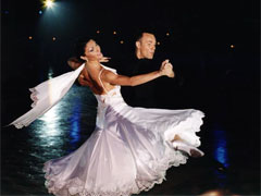 Как самому научиться танцевать вальс?