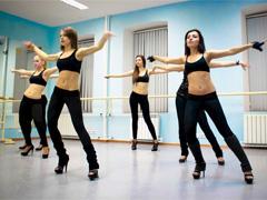 Клубные танцы девушек - видео