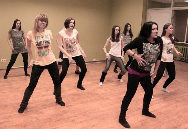 Стриптиз пластика танец видео